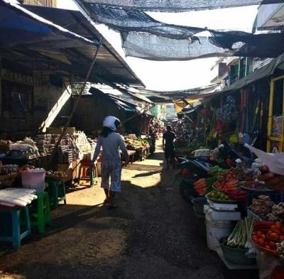Pasar Kaget,  Bentuk Simbiosis Mutualisme Antara Dua Kelompok Masyarakat
