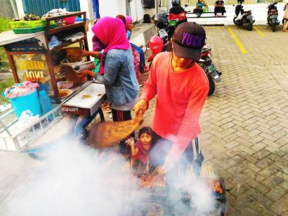 Ngabuburit Seru dengan Mendatangi Pasar Dadakan di Gresik