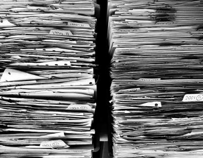 Pentingnya Dunia Hukum Membatasi Penggunaan Kertas