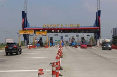 Menjajal Jalan Tol Fungsional Pemalang-Batang