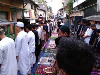 Pesona Islam yang Sejuk dan Khusuk di Sholat Iedul Fitri Musholla Adz Dzikro, Jakarta Barat