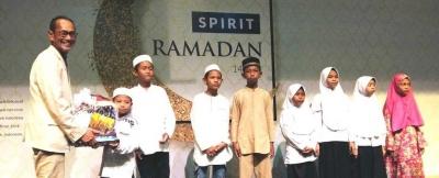 K-Link Berbagi Bahagia dengan Santuni 500 Anak Yatim