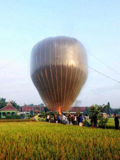 Telanjur Dianggap Tradisi, Balon Udara di Ponorogo Menjadi Permasalahan