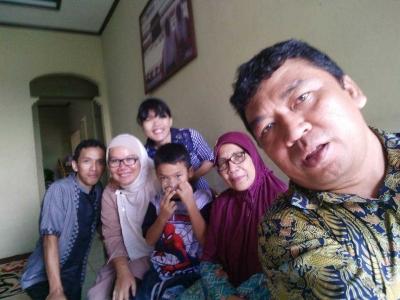 """""""Sanjo"""" ke Tiga Rumah Kompasianer Palembang di Hari Ketiga Lebaran"""