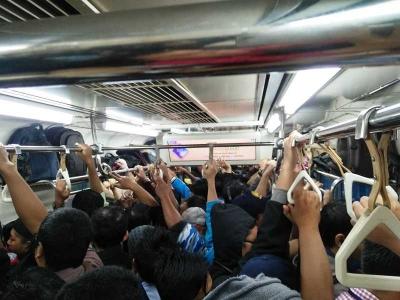 Pekerja Sudah Mulai Aktif, Penumpang KRL Commuterline Harus Waspadai Jam Sibuk
