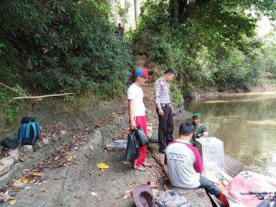 Distribusi Logistik Pilgub Kalbar ke Desa Jauh Nanga Masau