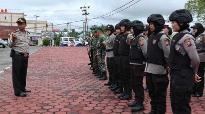 H-1 Pilkada, TNI-Polri Patroli Bersama di Kabupaten Sintang