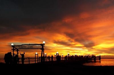 Senja di Pantai Akkarena Makassar, Semoga Selalu Ada Untuk Selamanya