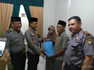 Sambut Hari Bhayangkara ke-72, Polsek Cengkareng Berikan Tali Asih kepada Purnawirawan Polri