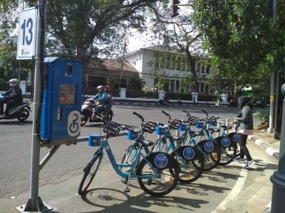 Bandung Boseh, Wisata Ramah Lingkungan Sambil Keliling Ikon Kota