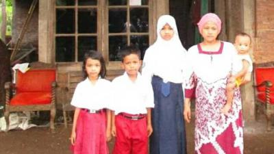 Kerja Serabutan, Keluarga ini Justru Dikaruniai 5 Anak Istimewa