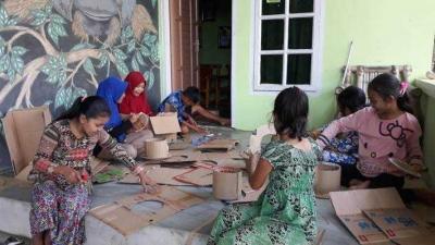 Ajari Cara Kreatif Kepada Anak-anak untuk Memanfaatkan Sampah