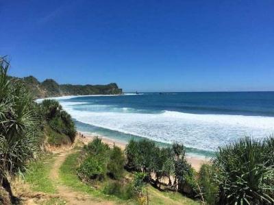 Menikmati Indahnya Pantai Nampu di Wonogiri
