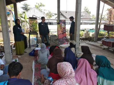 3 Mahasiswa Universitas Brawijaya Ciptakan Teknologi Pengasapan Ikan dengan Sistem