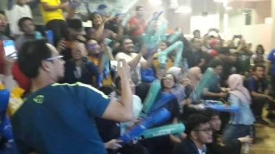 Inilah Fakta Masyarakat Indonesia Gila Bola, Nomor 8 Kamu Pasti Setuju Banget