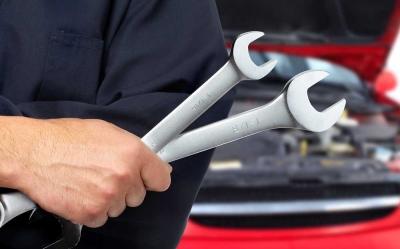 Apa Akibatnya Jika Tekanan Freon AC Mobil Berlebihan?