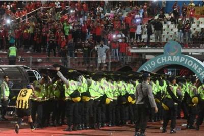 Fanatisme Suporter Indonesia dan Melorotnya Prestasi Timnas