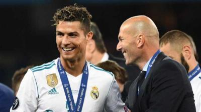 Zidane Gabung Juve, Big Bang Serie A