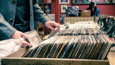 Kenapa Masih Membeli Rilisan Fisik Musik?