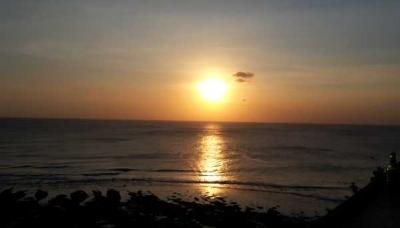 Menjelang Mentari Tenggelam di Blue Point Bali
