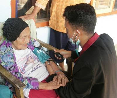 (Geriatric Test) Oleh KKN 93 UMM : Satu Langkah Kepedulian Terhadap Kesehatan Lansia Di Desa Banjarsari