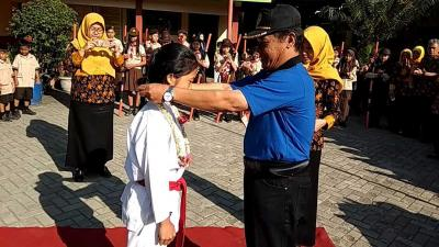 "Sabet Dua Emas Karate O2SN Jateng, Kanaya Putri Dapat ""Reward"" dari Sekolah"