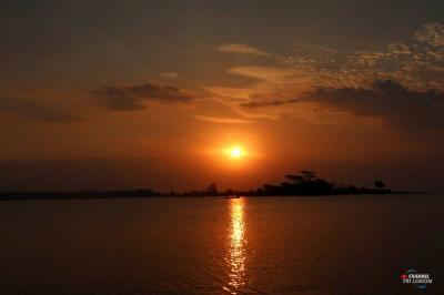 "Ayo, Nonton ""Sunset"" di Pantai Marina Semarang"