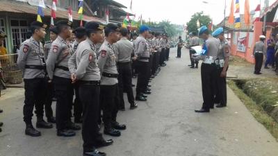 Ratusan Personel Polres Banyuasin Perketat Keamanan Rapat Pleno Penetapan Bupati dan Wabup