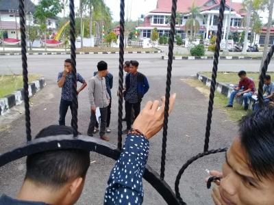 Mahasiswa Tagih Janji Politik Sukandar