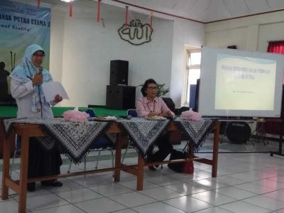 Dinsos DKI Berikan Training Pengasuh Panti Anak Terlantar