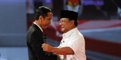 Pakde Memang Jokowi, Budenya Pilih Prabowo