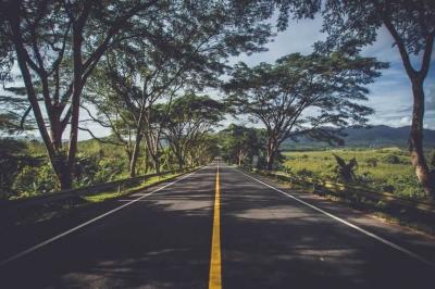 Cerpen | Dua Perempuan, Dua Jalan, dan Satu Arah