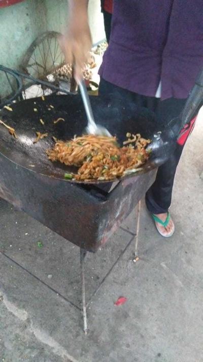 Menikmati Lezatnya Mie Tiaw Mas Rojak di Jalan Pemuda Sungailiat