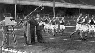 Arsenal Jadi Klub Sepak Bola Pertama yang Mengudara lewat Radio