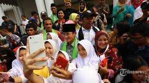 Akan Berhasilkah Prabowo-Sandiaga Uno Merebut Suara Emak-emak?