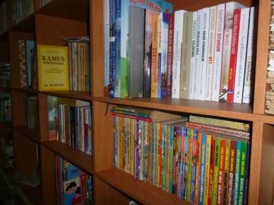 Buku, Majalah, Surat Kabar, dan Saya
