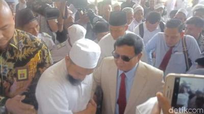 Ijtimak Ulama II dan Dosa-dosa Jokowi yang Tak Terampuni