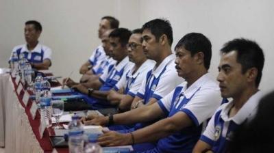 Jalan Panjang Menjadi Pelatih Sepak Bola di Indonesia