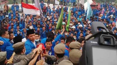 Gelombang Demonstrasi Mahasiswa Ingin Pergantian Kepemimpinan Nasional