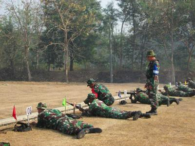 Asah Naluri Tempur, Kodim 0815 Gelar Latihan Menembak