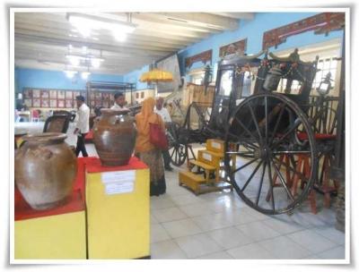 Di Museum Keraton Sumenep Ada Kereta Kuda Hadiah Raja Inggris