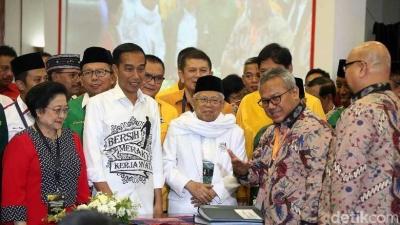 Bersatunya Elite Bermasalah di Kubu Jokowi