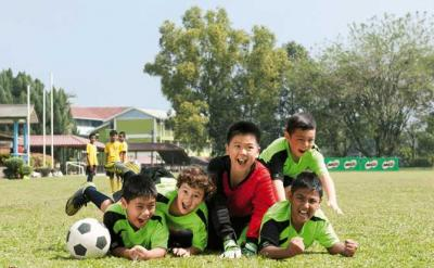 """Ulasan Jurnal """"An Eye for Talent: Talent Identification and the Practical Sense of Top-Level Soccer Coaches"""""""