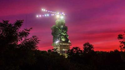 Patung Garuda Wisnu Kencana dari Kamera Analog hingga Action Camera