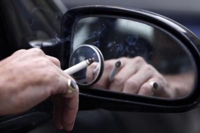 Merokok Saat Berkendara Langgar Toleransi