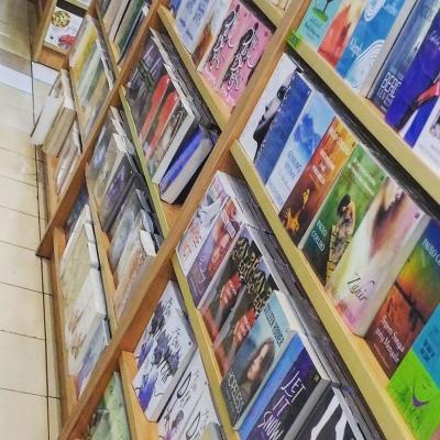 9 Alasan (Ilmiah) Mengapa Kita Perlu Banyak Membaca (Fiksi)