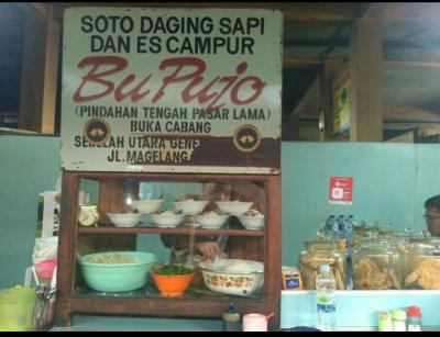 Menikmati Soto Daging Sapi di Pasar Beringharjo Yogya