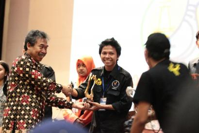 Alfianda Susilo Aji, Sastrawan Muda Juara Peksiminas
