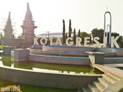 Gerbang Segoromadu, Tempat Nongkrong Asyik Warga Gresik