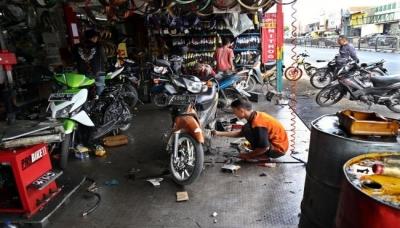 Dialog Antara Nia dan Montir di Bengkel Sepeda Motor